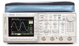 Tektronix TDS744A 4 Channel 500 MHz 2Gs/s Digitizing Oscilloscope