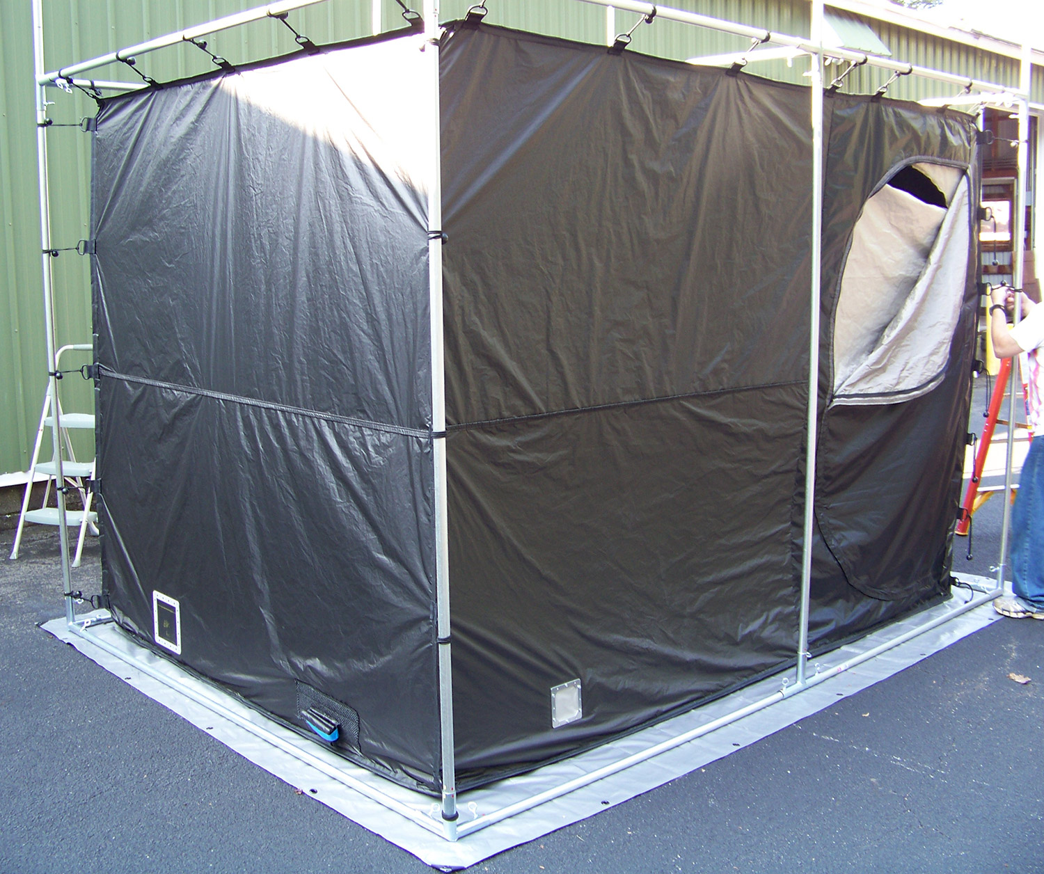 V Technical Textiles 8447 RF Shielded Enclosure 4' x 4' x 7' 30 MHz - 10 GHz