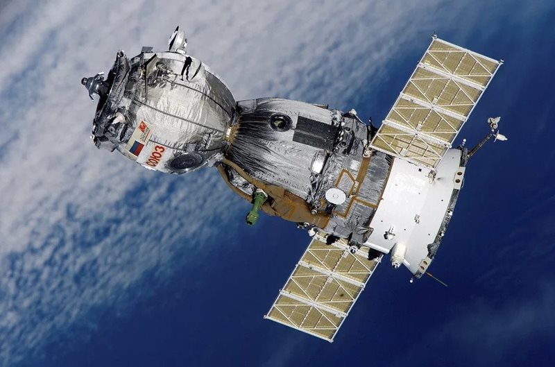 Satellite-in-orbit-the-site-of-most-multipaction-events.jpg
